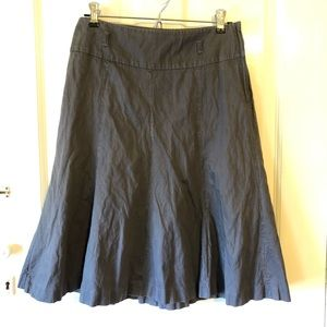 Size 6 H&M skirt with subtle metal thread